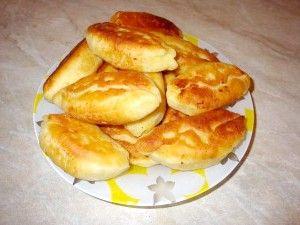 Пиріжки з картоплею на кефірі на сковороді