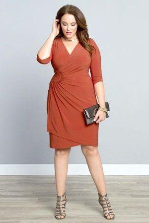 Плаття для повних жінок: як вибрати фасон і колір