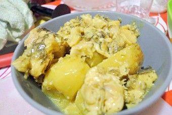 Смачне гаряче блюдо на будь-який випадок: рецепти приготування м`яса і риби в сметані з картоплею